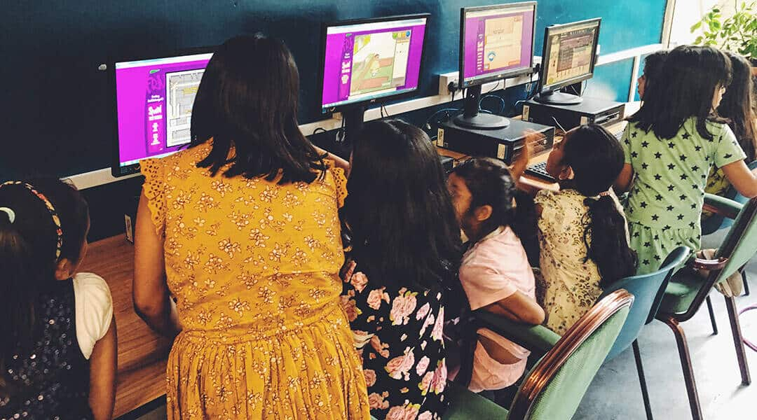 John-Scurr-Community-Centre-ICT-room-Urban-Network-CSR-project-Children-ICT-learning-class